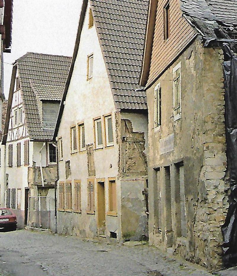 Heppenheimer Altstadtfreunde_kleine Bach Dreier_Vorher